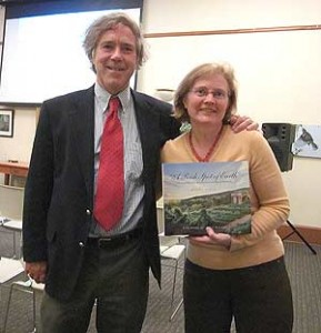 "Pamela Thompson welcomes Peter Hatch to the Arnold Arboretum for a lecture and book signing of his latest work, ""A Rich Spot of Earth: Thomas Jefferson's Revolutionary Garden at Monticello."" (Photo by Hilda M. Morrill)"