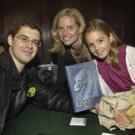 """Literary Light"" author Christopher Paolini signs books Jennifer Keddy and daughter Ava Levinson who attends BB&N"