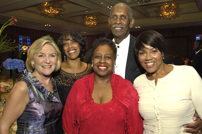 "WGBH ""Greater Boston"" host Emily Rooney, Gala co-chair Linda Hope-Springer, Committee members Donna Dupee & Emery Springer, VNAB manager of Maternal Child Health Margo Bourne"